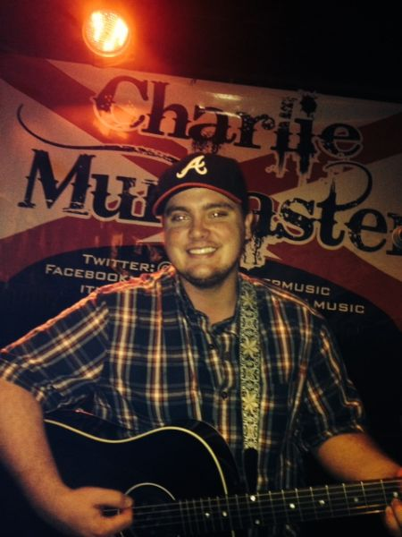 Charlie Muncaster : Live Party Band